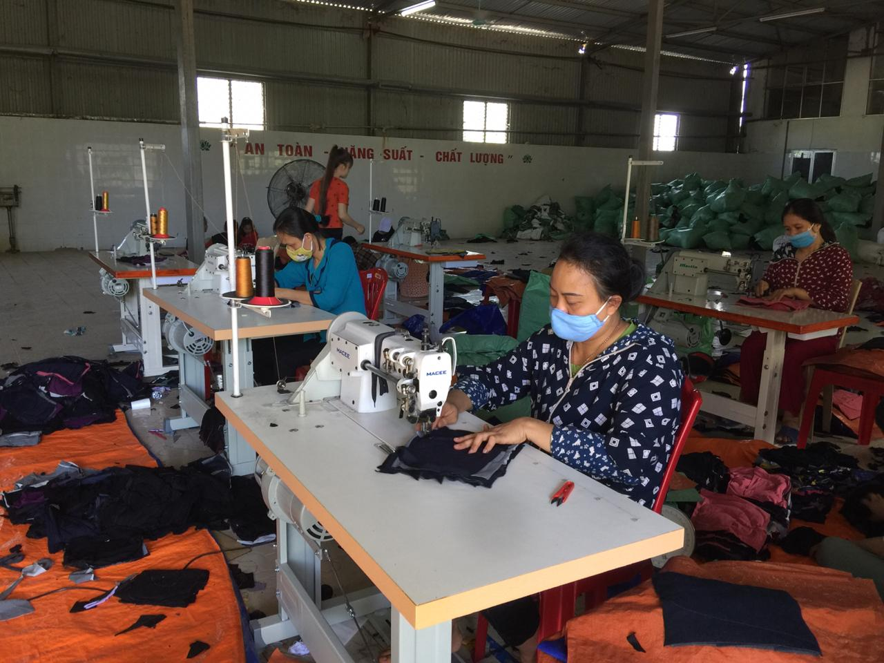 Factory XXXX in Vietnam, that produces and export cotton rags for industrial cleaning in all over the world.